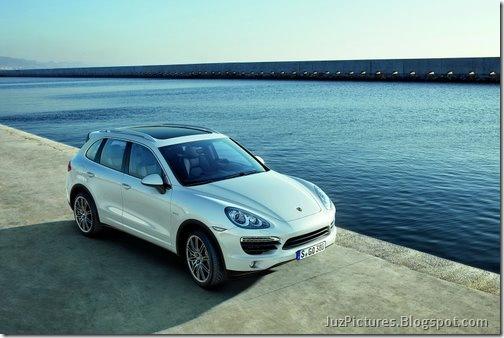2011-Porsche-Cayenne-SUV-122