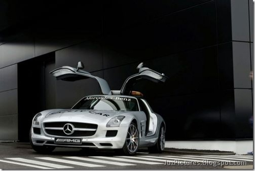 Mercedes-Benz-SLS-AMG-F1-Safety-Car-3