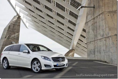 2011-Mercedes-R-Class-10