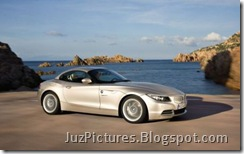 2009-bmw-roadster-z4-front-right-long