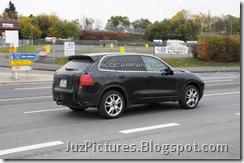2011-porsche-cayenne-rear6