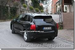 2011-porsche-cayenne-rear8