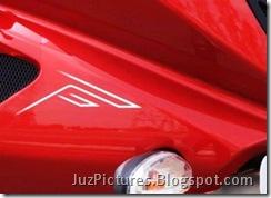 2009-bajaj-pulsar-220cc-red-faring