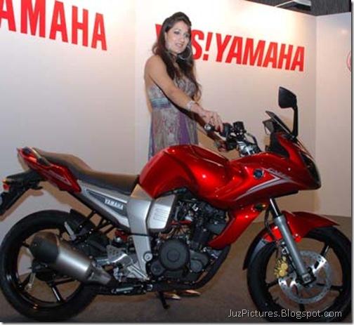 yamaha_fazer_red-side-1