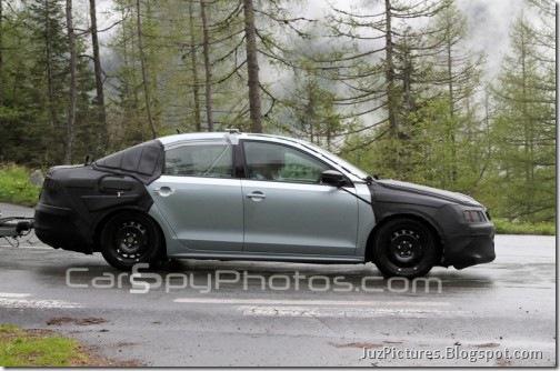2011-Volkswagen-Jetta-2