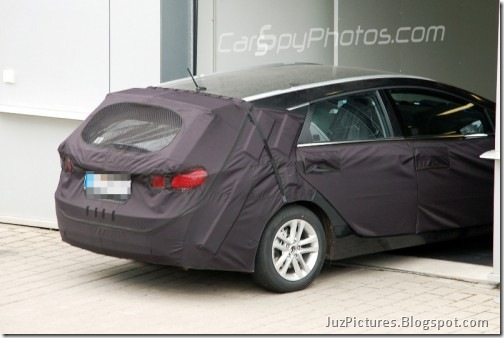 juzpictures 2011 hyundai sonata wagon i40 kombi spy pictures. Black Bedroom Furniture Sets. Home Design Ideas