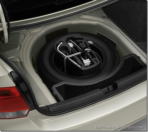 VW-Polo-sedan-Vento-12