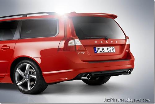 2012 Volvo V70 R-Design2