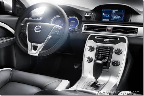 2012 Volvo V70 R-Design4