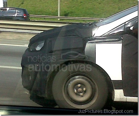 Hyundai-i15-HB-bonnet