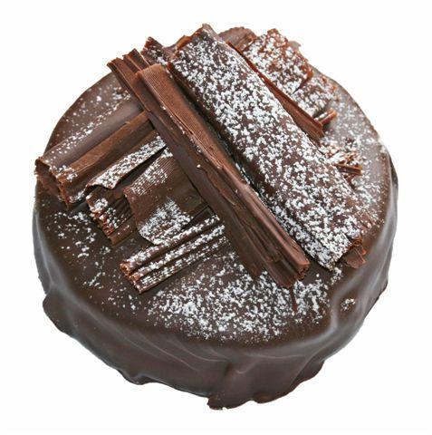 Chokolade kage med creme og aeblefyld fra Schweizer Bageriet.
