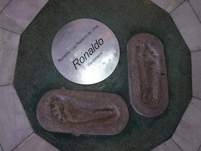 R0010479