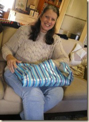 Vicki opening present from Forum ladies (2)