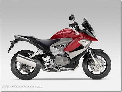 Honda-Crossrunner-7.jpg eicma 2010 pic
