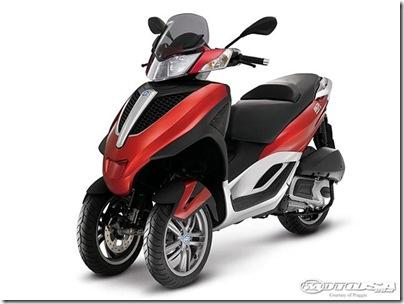 2011-Piaggio-MP3-Yourban.jpg2011 Piaggio Scooters Picture