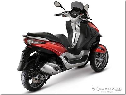 2011-Piaggio-MP3-Yourban-1.jpg2011 Piaggio Scooters Picture