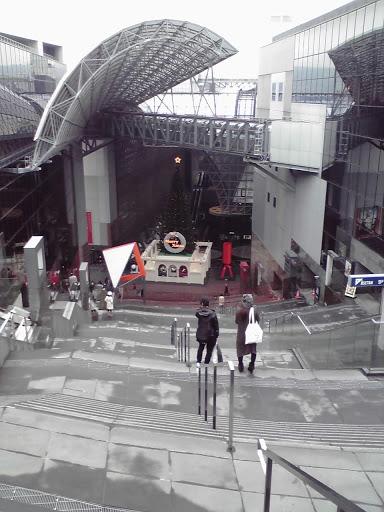 京都駅ビル大階段の上からの写真