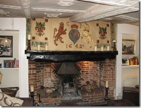 IMG_0137 fireplace 1642