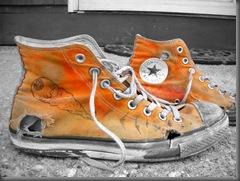 Orange_Shoes_no_color_by_tetsu68