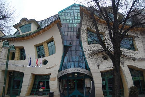 Odd Building 1