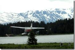 DSC04380 Plane landing in Beluga Lake, Homer, AK
