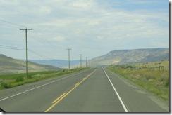 0721-53 hwy 1, irrigated farmland on left, desert on right