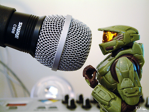 boneco miniatura action figure master chief halo cantando