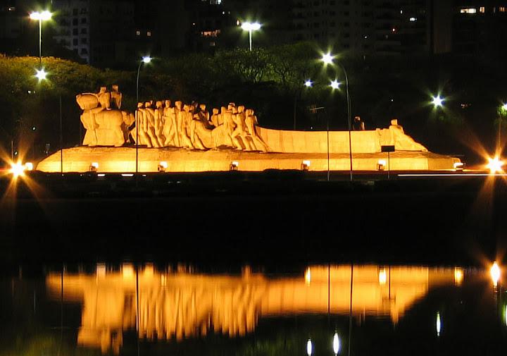 Monumento às Bandeiras, obra do escultor Victor Brecheret