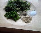 Zioła i przyprawy do sera wiejskiego z ziołami