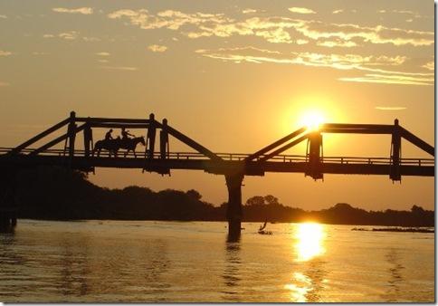 Ponte sobre o Rio Miranda no Passo do Lontra
