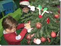 στολίζουμε-το-δέντρο-μας-(5)