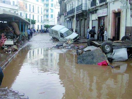 الذكرى 10 لفيضانات باب الواد 10/11/2001 une_copy.jpg