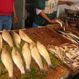 En attendant que le directeur du Commerce daigne éclairer les consommateurs,Le poisson toujours vendu dans des caisses en bois