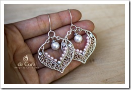 Wired Chinese Knot - Lacey Oval Earrings