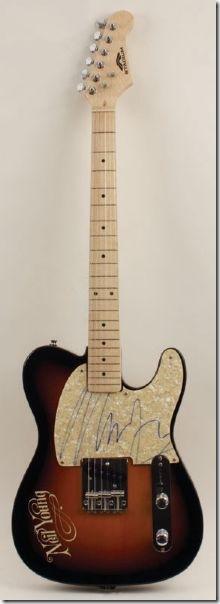guitarra_firmada_NY
