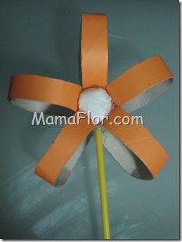 Reciclaje: Flor de Tubo de Papel Higiénico