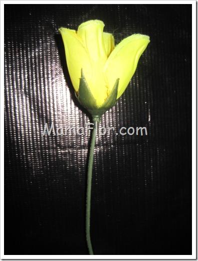 Como hacer una flor con tela engomada