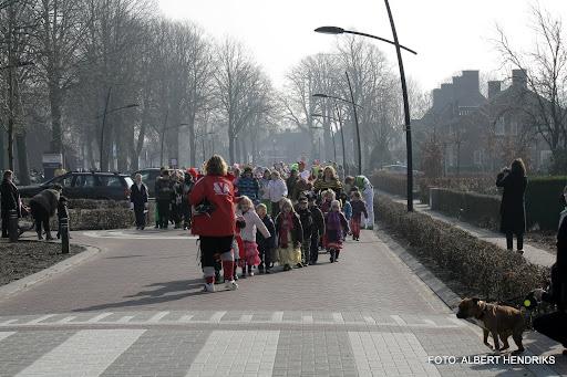 carnavalsoptocht josefschool 04-03-2011 (1).JPG