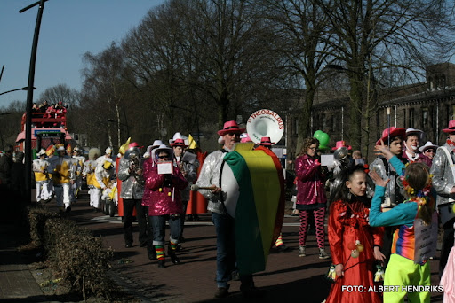 overloon carnaval optocht  06-03-2011 (107).JPG