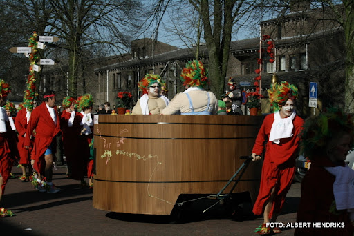 overloon carnaval optocht  06-03-2011 (118).JPG