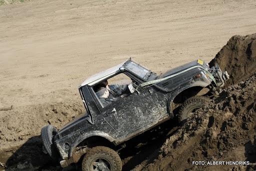 4x4 rijden anvt circuit duivenbos overloon 27-03-2011 (13).JPG