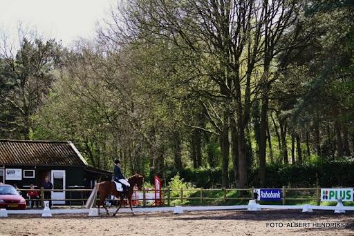 dressuurwedstrijd pony's overloon 09-04-2011 (5).JPG
