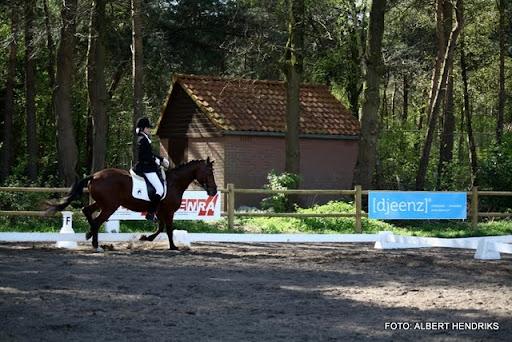 dressuurwedstrijd pony's overloon 09-04-2011 (15).JPG