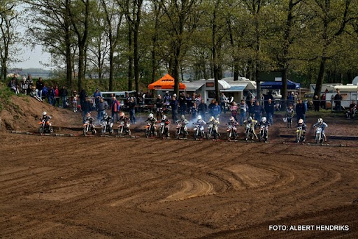 jeugdcompetitie jeugdmotorcross 16-04-2011 (52).JPG