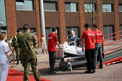boxmeer verhuizen patienten maasziekenhuis 22-04-2011 (35).JPG