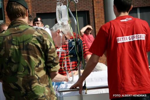boxmeer verhuizen patienten maasziekenhuis 22-04-2011 (36).JPG