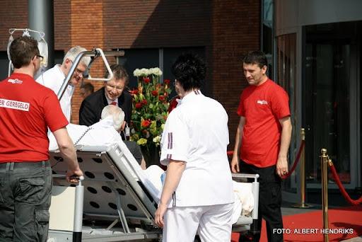 boxmeer verhuizen patienten maasziekenhuis 22-04-2011 (40).JPG