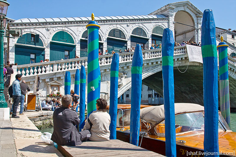 Италия, Венеция, вид на мост Риальто