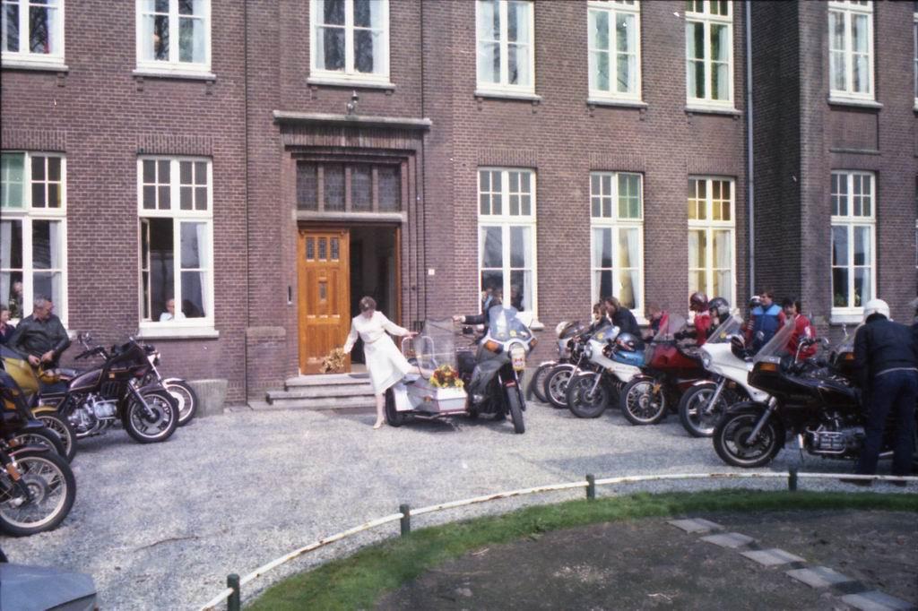 1982 - Huwelijk Tiny & Marja v.Pinxsteren 06.jpg