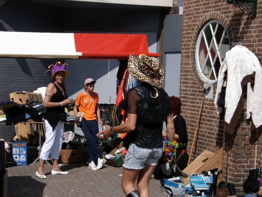 2005 - Rommelmarkt, 26-06 007.jpg